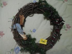 Make A Custom Wreath For Under